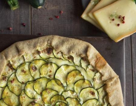 Tarta rústica de calabacín y queso raclette Entremont